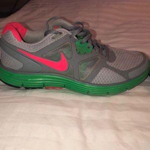 Women's Nike Shoe